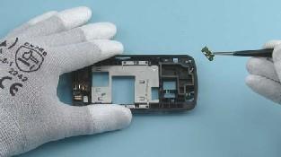 Как разобрать телефон Nokia C6-01 (30)