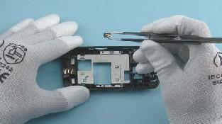Как разобрать телефон Nokia C6-01 (32)