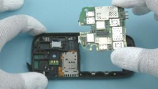 Как разобрать телефон Nokia C7-00 (35)