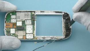 Как разобрать телефон Nokia C7-00 (61)