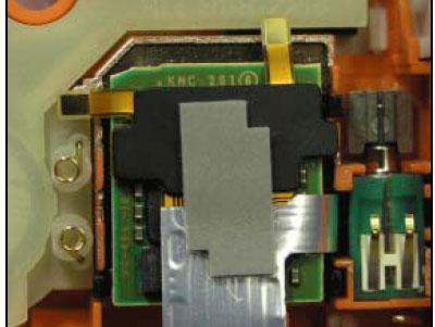 Как собрать телефон Sony Ericsson D750i/K758c/W800/W700 после замены деталей (18)