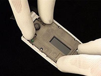 Как собрать телефон Sony Ericsson Z550i/Z550c/Z550a/Z558i/Z558c после замены деталей (4)