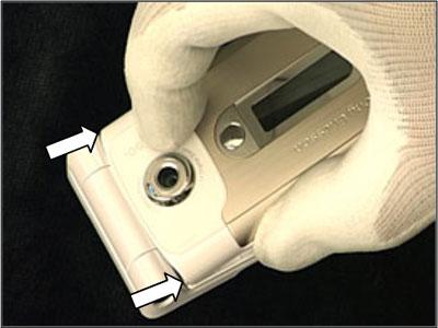 Как собрать телефон Sony Ericsson Z550i/Z550c/Z550a/Z558i/Z558c после замены деталей (12)