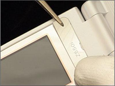 Как собрать телефон Sony Ericsson Z550i/Z550c/Z550a/Z558i/Z558c после замены деталей (18)