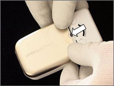 Как разобрать телефон Sony Ericsson Z550i/Z550c/Z550a/Z558i/Z558c (8)