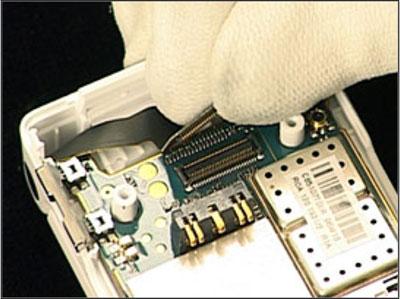 Как собрать телефон Sony Ericsson Z550i/Z550c/Z550a/Z558i/Z558c после замены деталей (29)