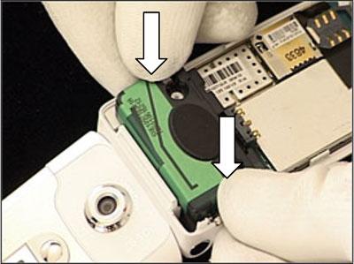Как собрать телефон Sony Ericsson Z550i/Z550c/Z550a/Z558i/Z558c после замены деталей (31)