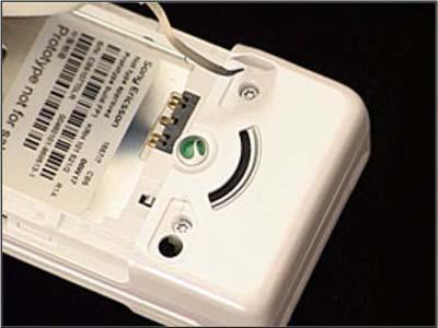 Как разобрать телефон Sony Ericsson Z550i/Z550c/Z550a/Z558i/Z558c (13)