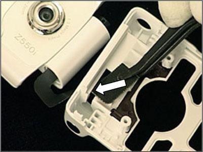 Как разобрать телефон Sony Ericsson Z550i/Z550c/Z550a/Z558i/Z558c (37)