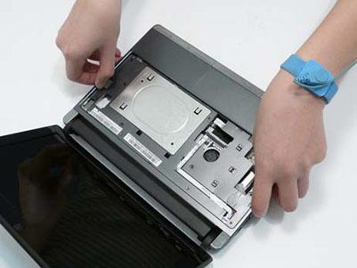Как разобрать ноутбук Packard Bell dot s (50)