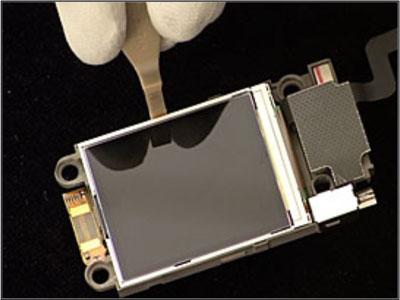 Как собрать телефон Sony Ericsson Z550i/Z550c/Z550a/Z558i/Z558c после замены деталей (16)