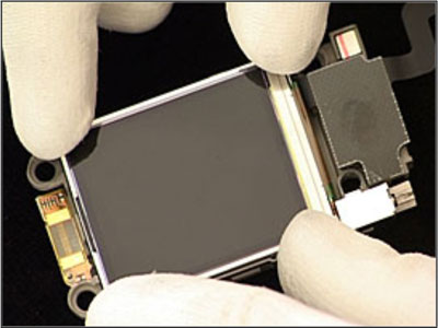 Как собрать телефон Sony Ericsson Z550i/Z550c/Z550a/Z558i/Z558c после замены деталей (25)