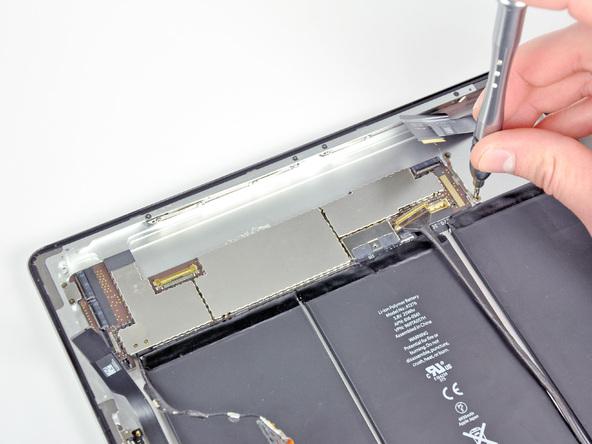 Как разобрать планшет Apple iPad 2 Wi-Fi (15)