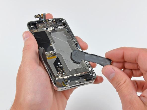 Как разобрать телефон iPhone 4 (28)
