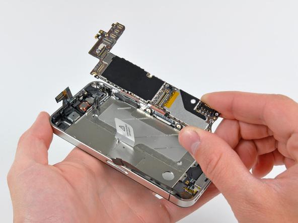 Как разобрать телефон iPhone 4 (30)