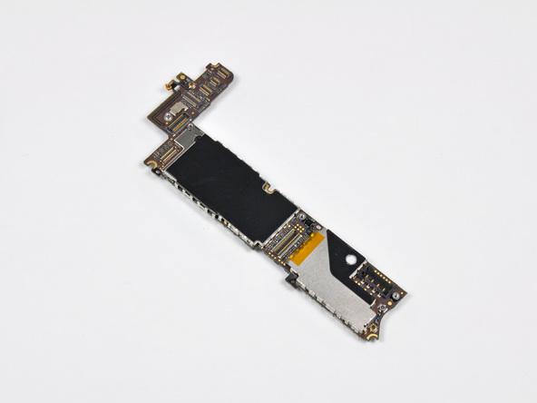 Как разобрать телефон iPhone 4 (31)