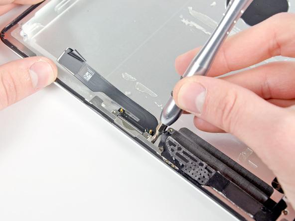 Как разобрать планшет Apple iPad 2 Wi-Fi (34)
