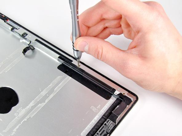 Как разобрать планшет Apple iPad 2 Wi-Fi (35)