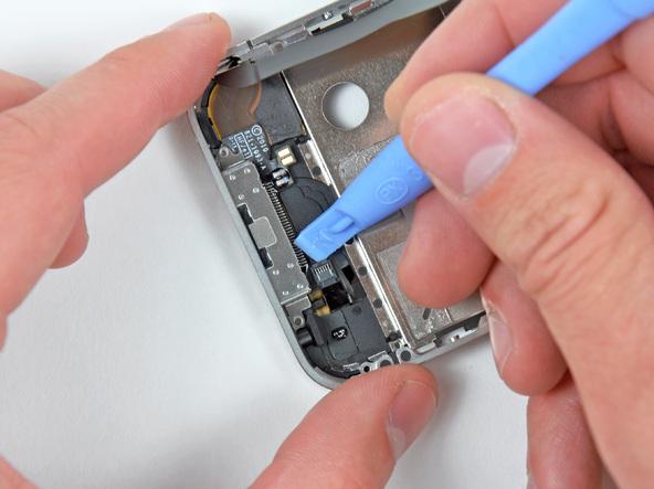Как разобрать телефон iPhone 4 (48)