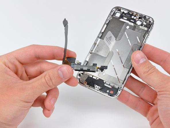 Как разобрать телефон iPhone 4 (50)