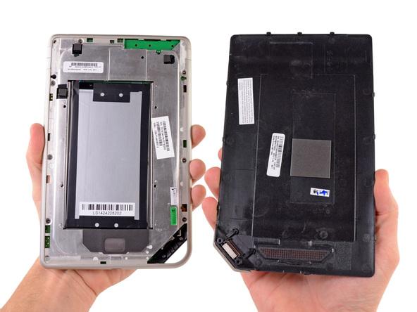 Как разобрать планшет Barnes & Noble NOOK Tablet (10)