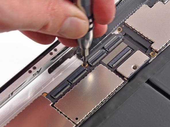 Как разобрать планшет Apple iPad 3 4G (26)