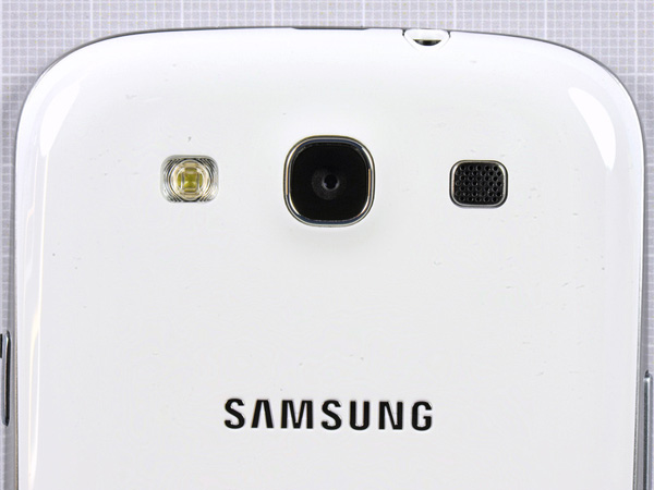 Как разобрать телефон Samsung Galaxy S III (5)