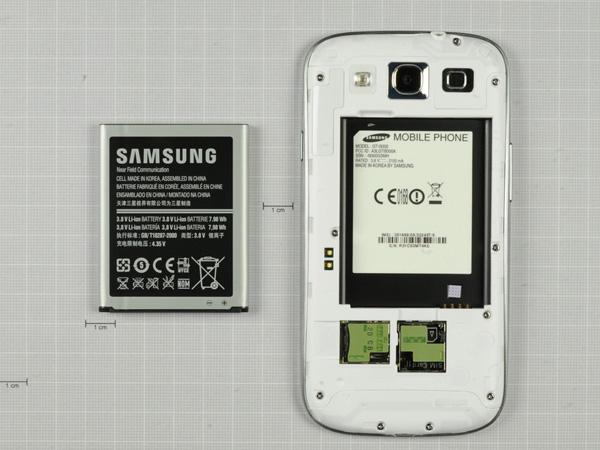 Как разобрать телефон Samsung Galaxy S III (6)