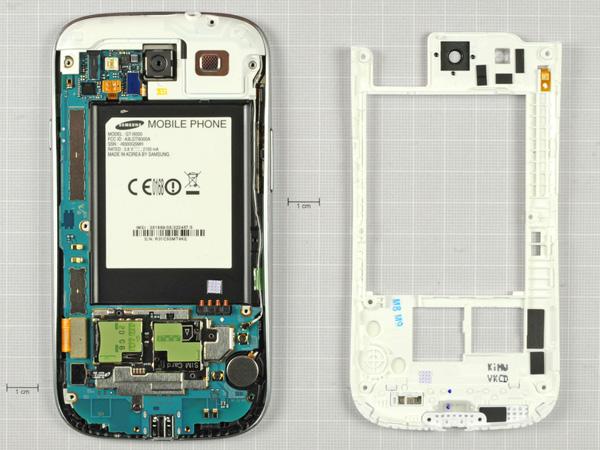 Как разобрать телефон Samsung Galaxy S III (9)