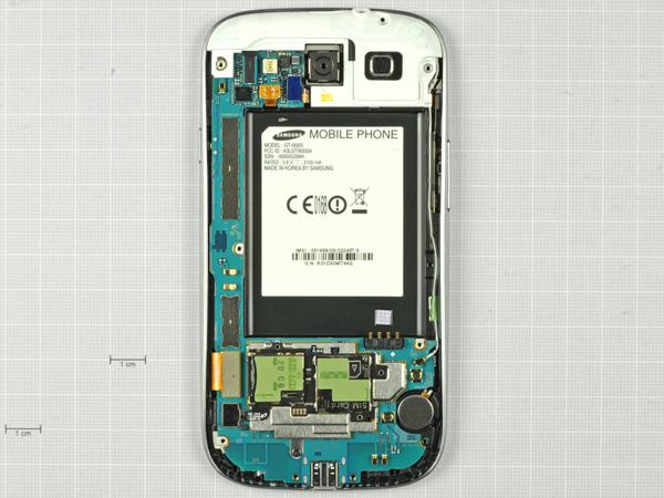 Как разобрать телефон Samsung Galaxy S III (10)