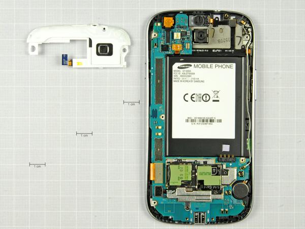Как разобрать телефон Samsung Galaxy S III (11)