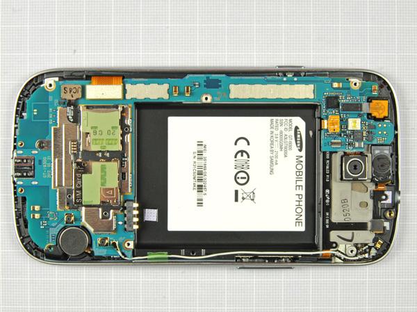 Как разобрать телефон Samsung Galaxy S III (12)