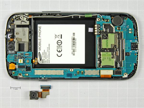 Как разобрать телефон Samsung Galaxy S III (13)