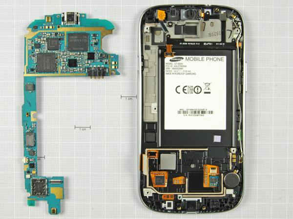 Как разобрать телефон Samsung Galaxy S III (14)