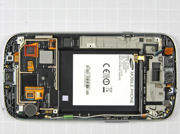 Как разобрать телефон Samsung Galaxy S III (15)