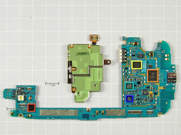 Как разобрать телефон Samsung Galaxy S III (21)