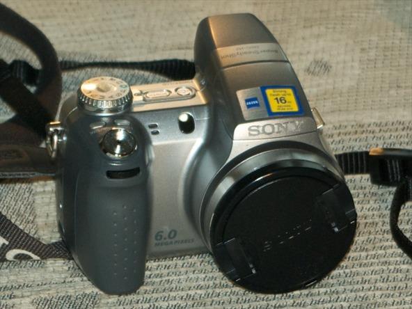 Как разобрать фотоаппарат Sony Cyber-shot DSC-H2 (2)