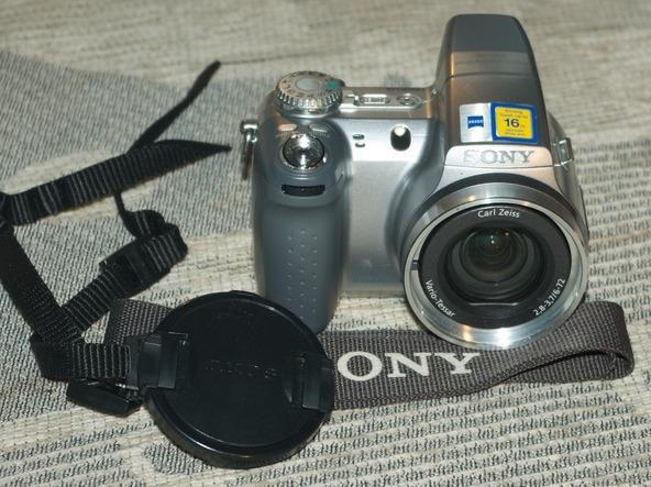 Как разобрать фотоаппарат Sony Cyber-shot DSC-H2 (3)
