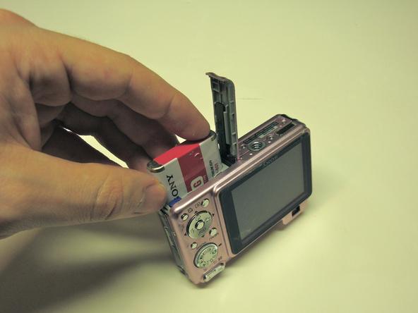 Как разобрать фотоаппарат Sony Cyber-Shot DSC-W120 (4)