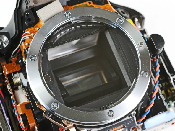 Как разобрать фотоаппарат Nikon D5100 (22)