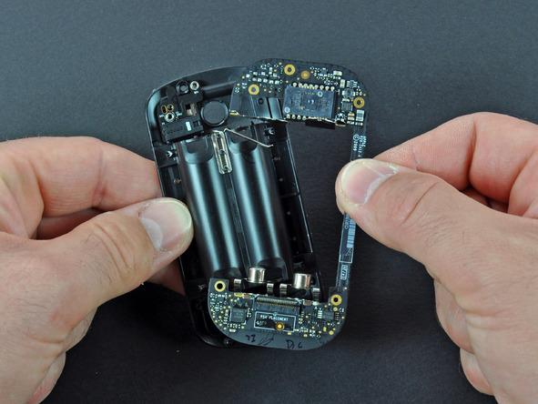 Как разобрать мышь Apple Magic Mouse (21)
