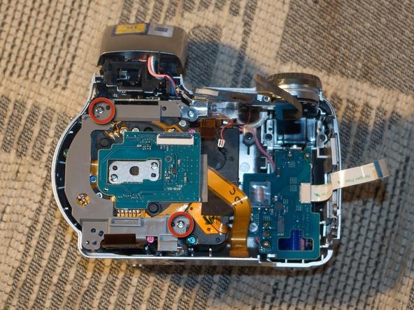 Как разобрать фотоаппарат Sony Cyber-shot DSC-H2 (29)
