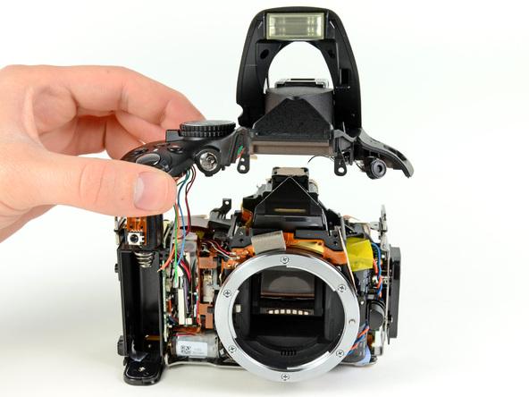 Как разобрать фотоаппарат Nikon D5100 (23)