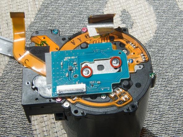 Как разобрать фотоаппарат Sony Cyber-shot DSC-H2 (31)