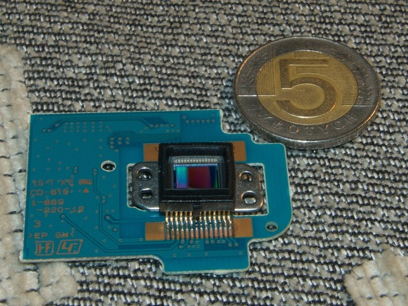 Как разобрать фотоаппарат Sony Cyber-shot DSC-H2 (32)