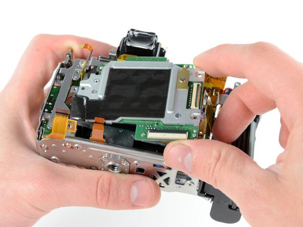 Как разобрать фотоаппарат Nikon D5100 (26)