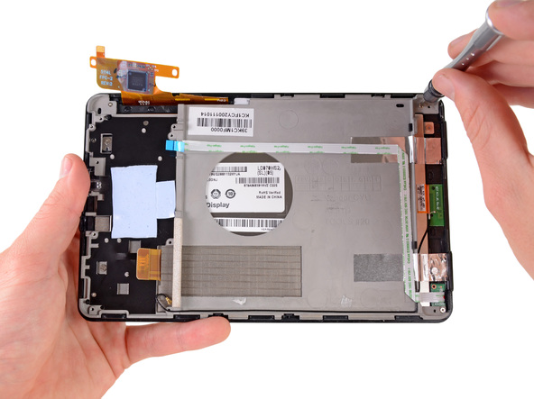 Как разобрать планшет Amazon Kindle Fire (27)