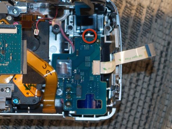Как разобрать фотоаппарат Sony Cyber-shot DSC-H2 (36)