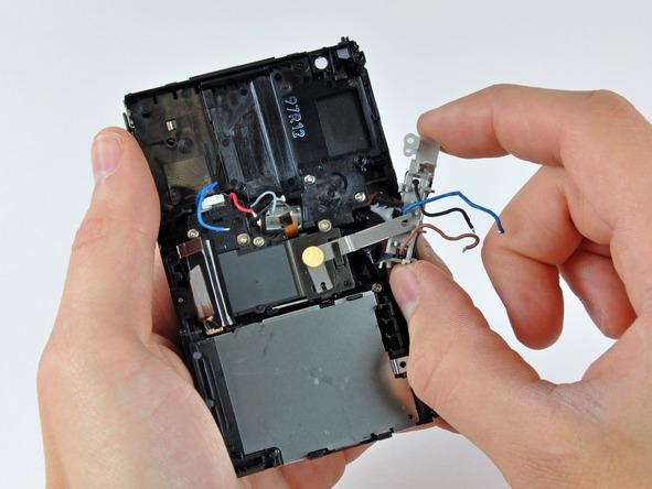 Как разобрать фотоаппарат Nikon Coolpix S1000pj (35)