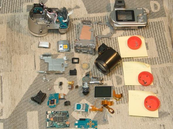 Как разобрать фотоаппарат Sony Cyber-shot DSC-H2 (42)